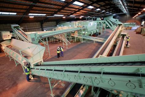 MeWa Recycling richtet neue E-Schrottanlage der britischen Wincanton ein