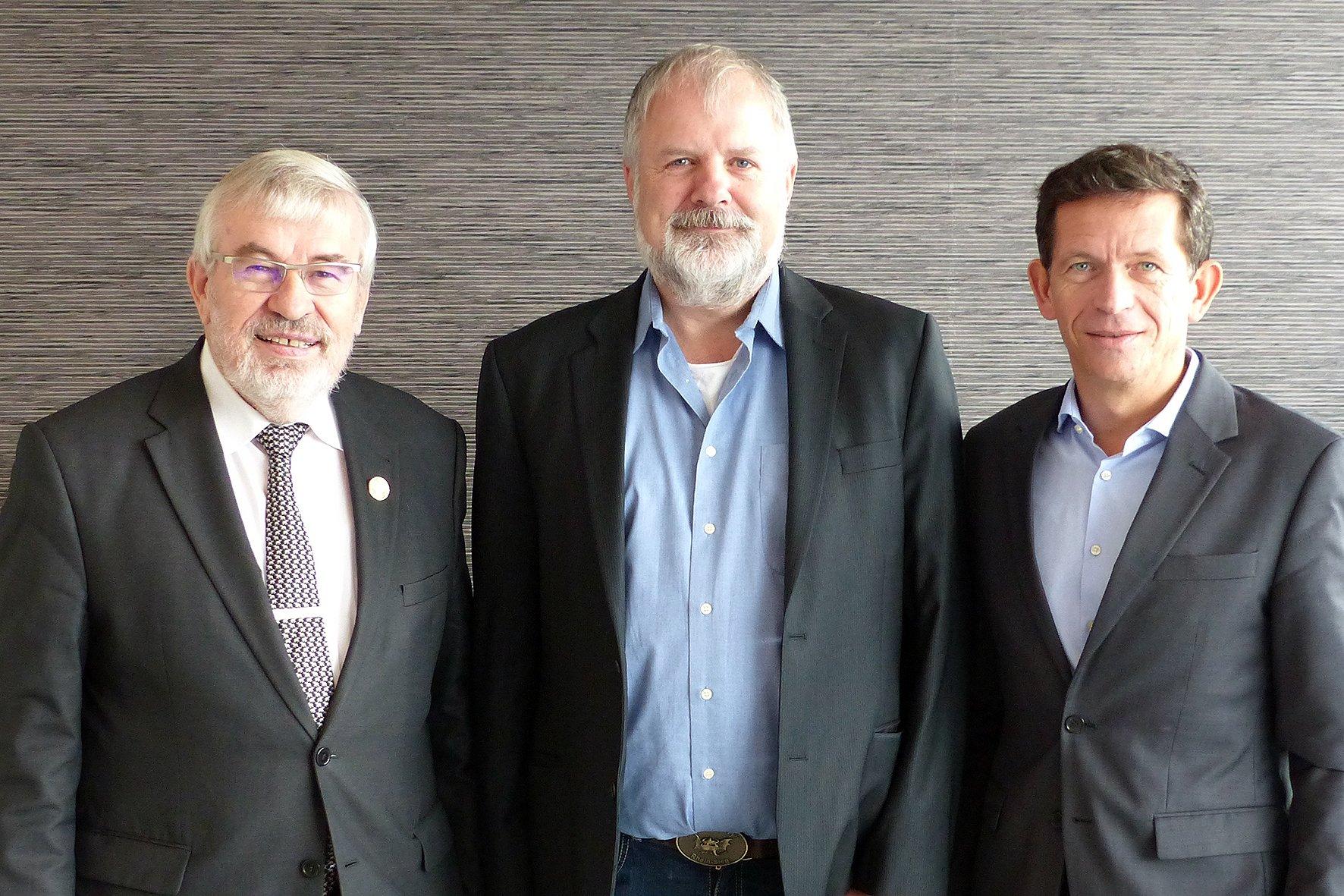 Der neue Vorstand der Hans-Joachim Kaps-Stiftung (v.l.n.r.): Kurt Ehrke, Gunther Maassen und Ilias Papadopoulos. (Foto: Kaps-Stiftung)