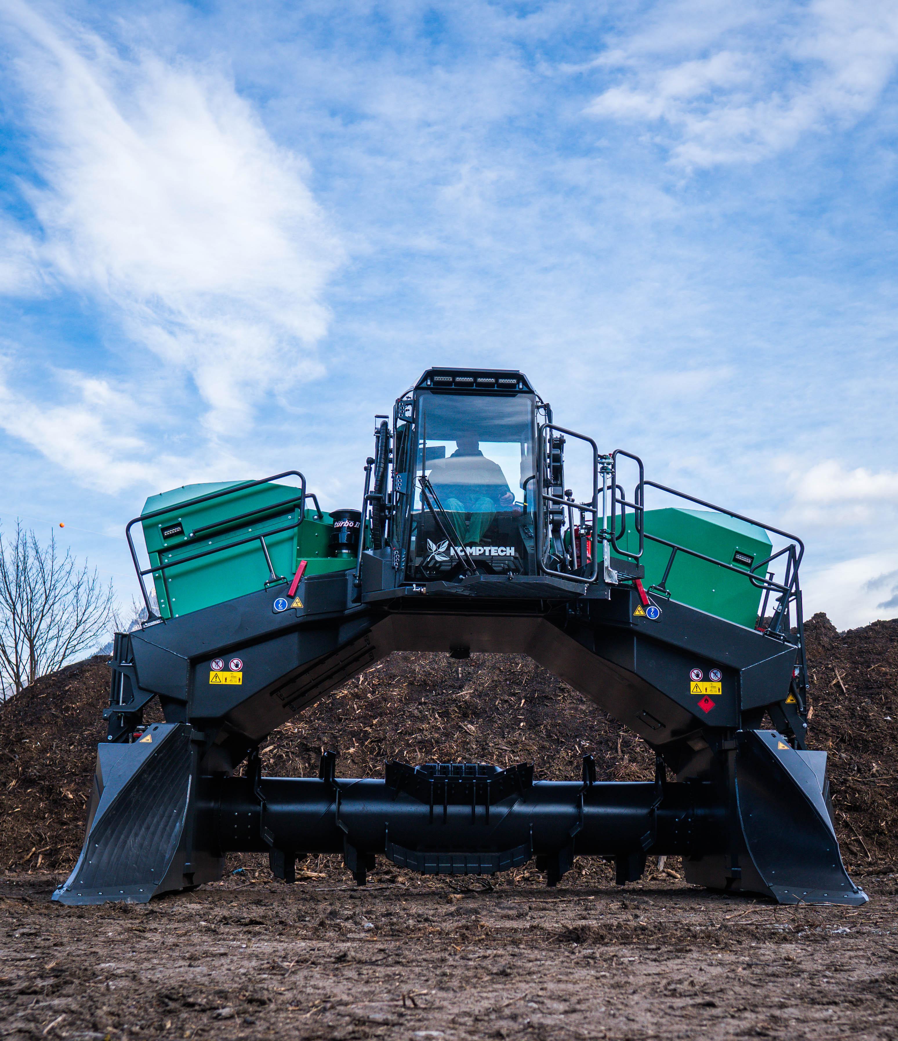 Mit dem neuen Mietenumsetzer Topturn X5000 steht jetzt die perfekte Maschine für den mittleren und oberen Leistungsbereich zur Verfügung. Foto: Komptech