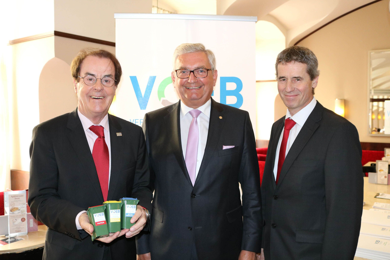 V. l. n. r.: Hans Roth (VOEB), Alfred Riedl (Österreichischer Gemeindebund), Christian Holzer (BMNT) (Foto: VOEB)